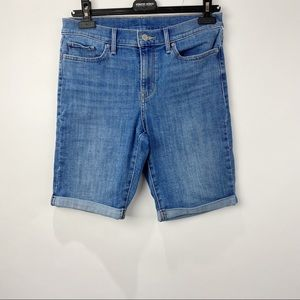 Levi's high rise jean shorts Bermuda style